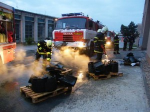 pozar-firma-zdar-nad-sazavou-ohen-hasici-vysocina-21